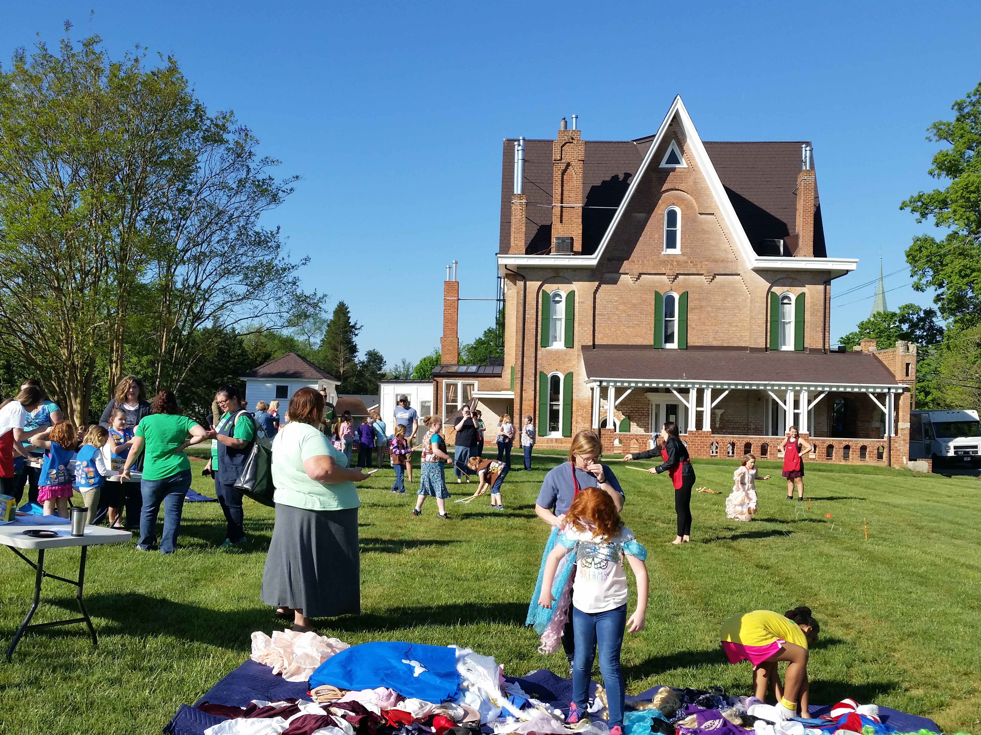 """Girl Scouts Day: """"Playing the Past"""" at Körner's Folly!"""