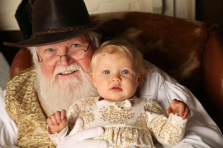 Santa at Ogburn Stables 2019